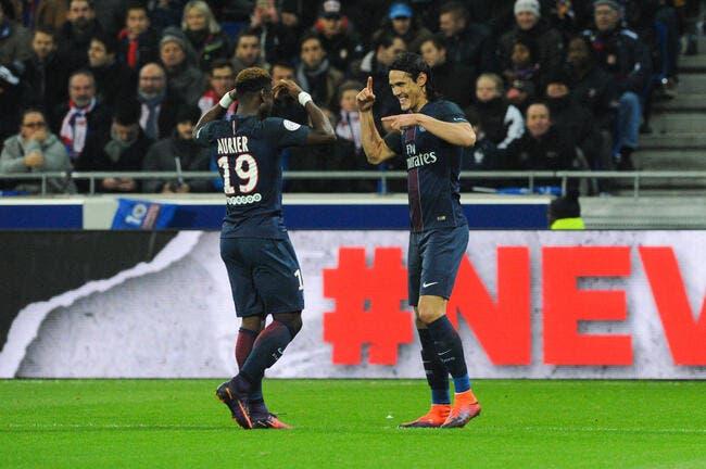 L1 : Cavani crucifie l'OL et offre la victoire au PSG