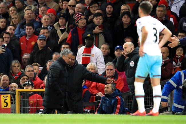MU: Mourinho shoote… une bouteille et prend un rouge