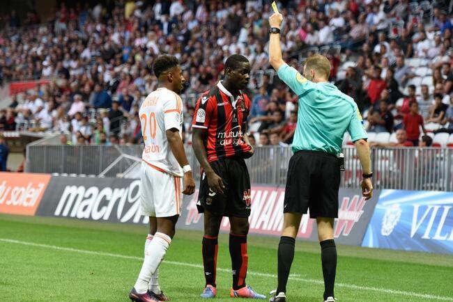 OGCN : Balotelli fait la tête après son rouge car il « n'a rien fait »