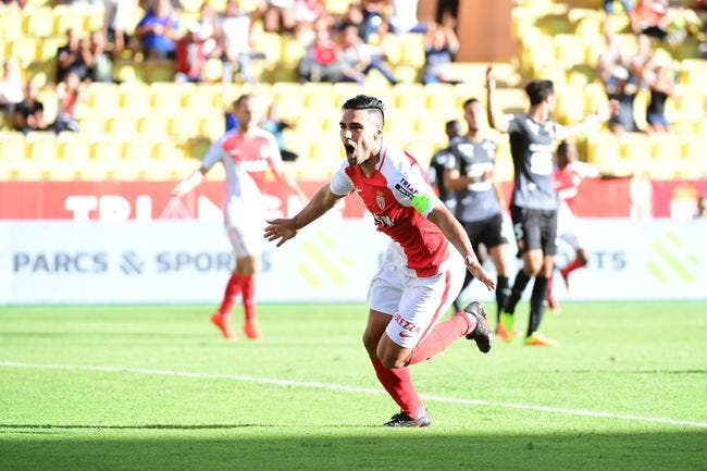 Monaco répond au PSG et reprend son trône