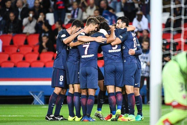 Cavani marque, le PSG gagne sans forcer