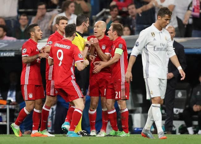 Real Madrid: Ronaldo rend hommage au Bayern Munich