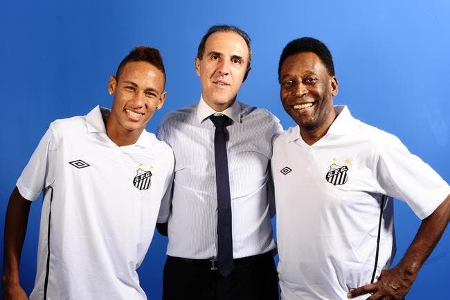 PSG  : L'agent de Neymar annonce qu'il arrive à Paris !