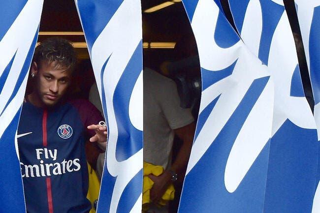 PSG : Le PSG offre la Tour Eiffel à Neymar pour 50.000 euros