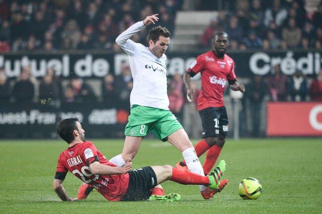ASSE : Poussé vers la sortie, il a deux offres de Caen et Bastia