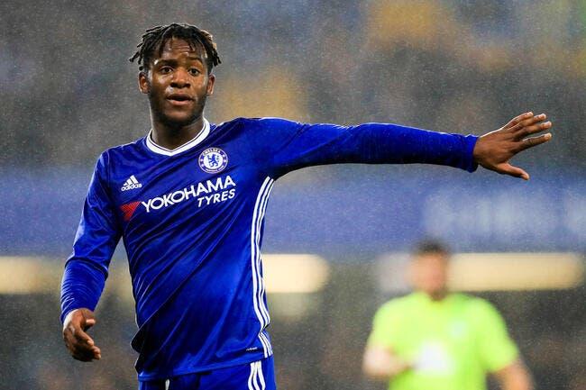 Chelsea : Conte préfère un autre roublard espagnol à Batshuayi