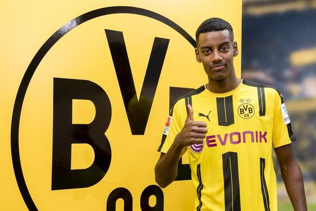 Officiel : Le « nouveau Ibrahimovic » signe au Borussia Dortmund