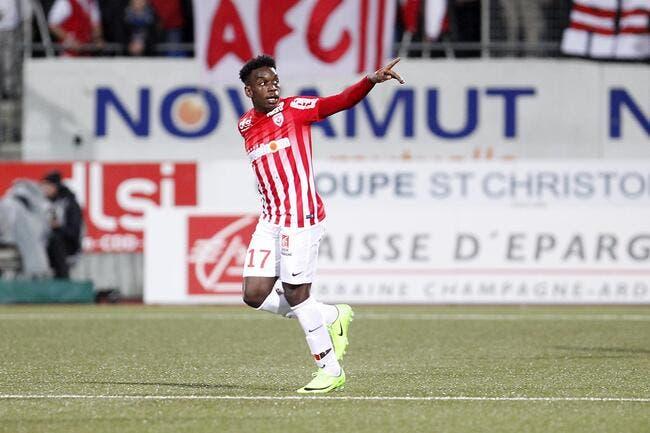 Officiel: Rennes enchaîne avec la révélation Maouassa!