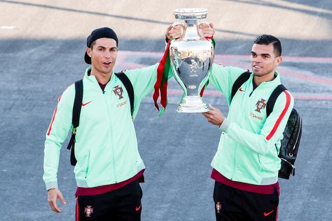 PSG : Une méga-concurrence avec Pepe, Maxwell vote pour