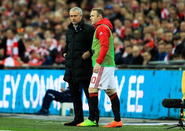Mourinho veut que Rooney reste la saison prochaine — Man Utd