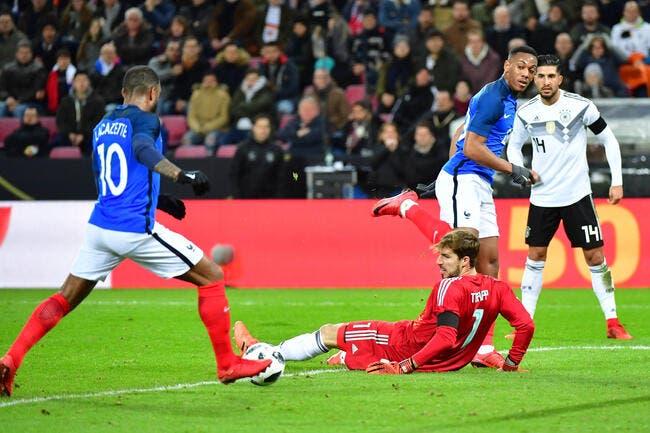 Vidéo: Le but génial de la France en Allemagne