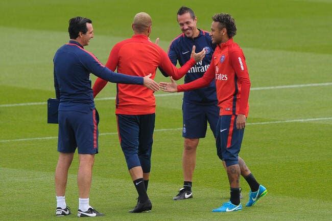 PSG: Menacé par le Real, Emery va chouchouter Neymar