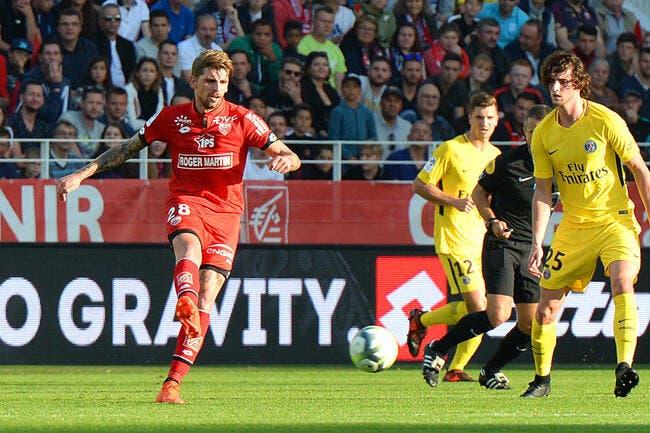Dijon - PSG : le but de l'année inscrit par Benjamin Jeannot
