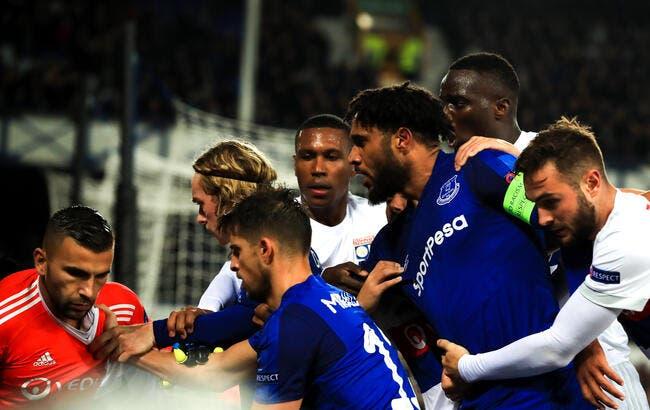 Everton-OL : une enquête ouverte après la bagarre sur le terrain