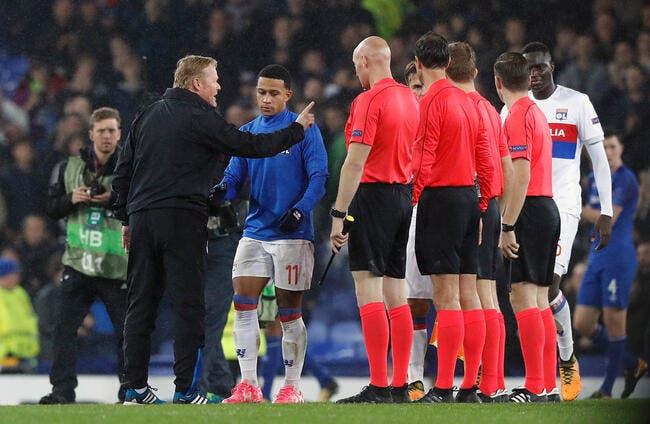 Everton-OL: L'arbitre a mis un énorme tacle à Koeman...