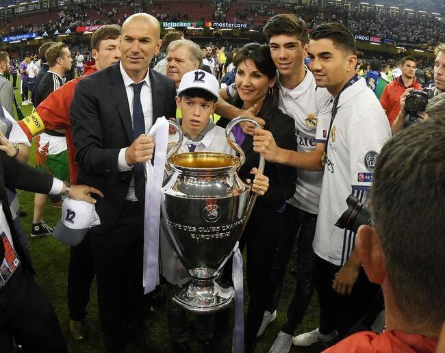 FIFA : Zinedine Zidane élu meilleur entraîneur du monde !