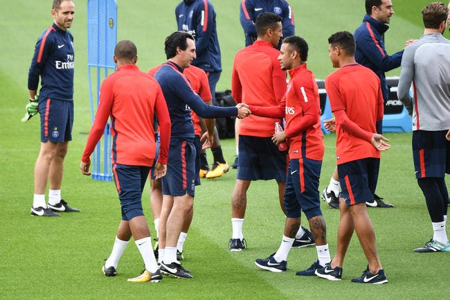 PSG: Emery a recadré Neymar après le Classique