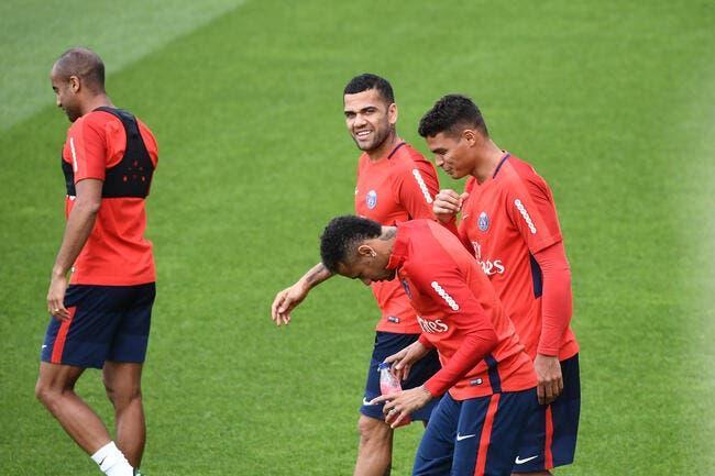 PSG: Neymar Cavani Mbappé Draxler Metz a déjà mal à la tête