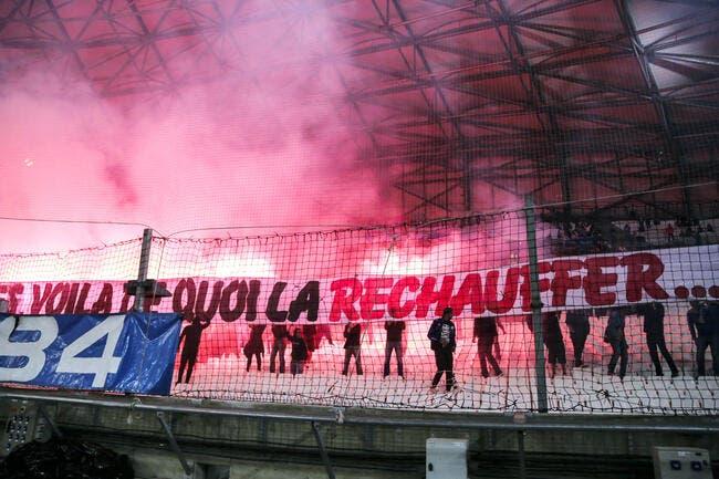 OM: Banderoles, fumigènes, les supporters tapent fort