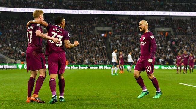 PL: United se plante et offre le titre à City