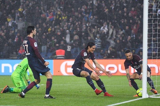 PSG : Paris joue en tongs, Riolo explique pourquoi c'est normal