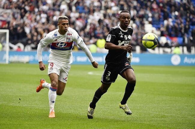 OL : Lyon a raison de vendre Mariano, Dugarry s'explique