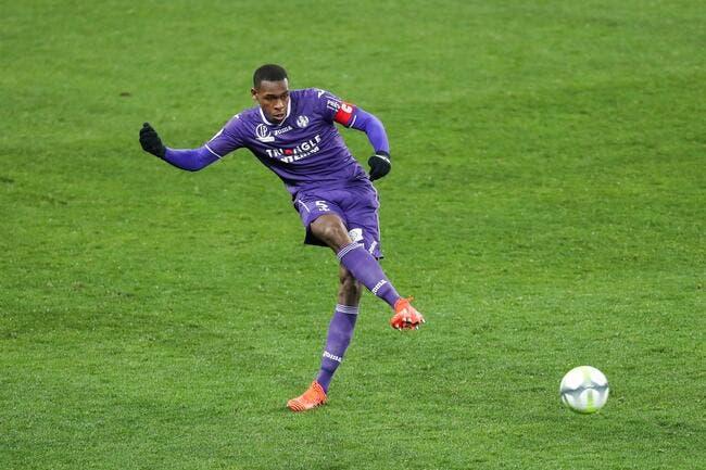 Mercato : Liverpool concurrence le Barça pour ce défenseur de L1