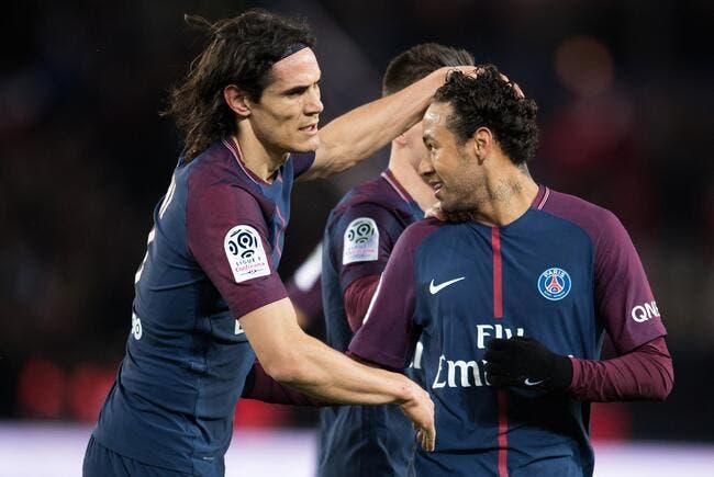PSG : Paris met Cavani sur la liste des transferts, trois clubs intéressés !