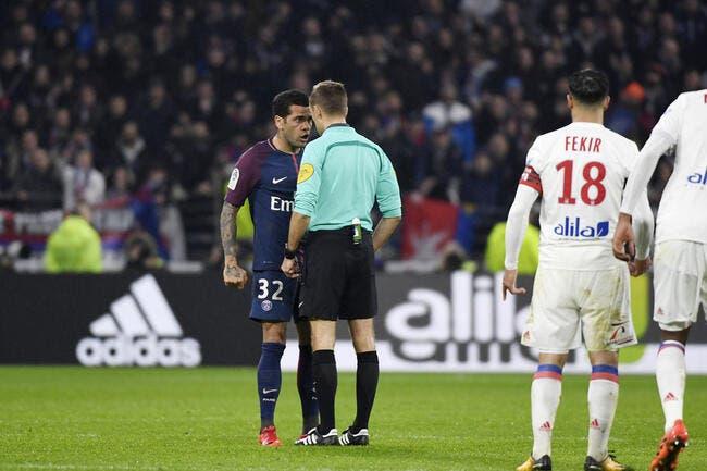 OL-PSG: Le pétage de plombs de Daniel Alves a coûté cher