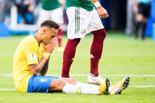 Brésil: Le chrono confirme, Neymar adore se rouler par terre