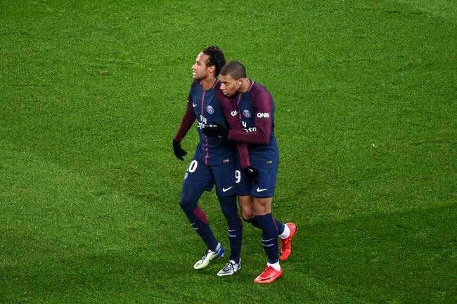 PSG: Mbappé n'est plus le lieutenant de Neymar, il est son égal