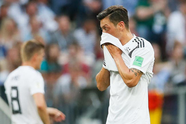 Özil quitte la 'Mannschaft — OFFICIEL