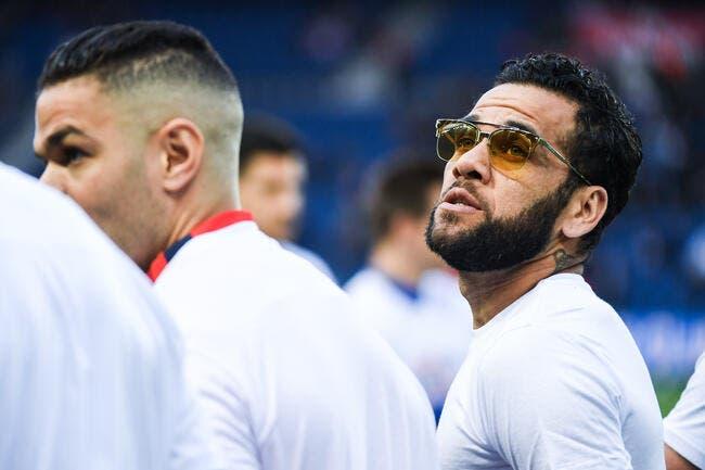 PSG: Paris s'explique sur cette curieuse décision pour Daniel Alves