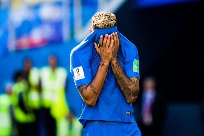 Brésil: Traité de pleureuse, Neymar assume et s'explique