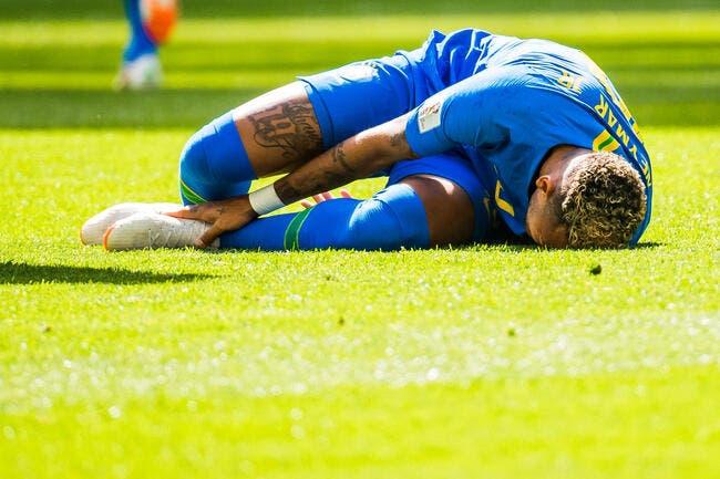 Brésil : Neymar, il simule et il pleure, un ancien du PSG pète un plomb