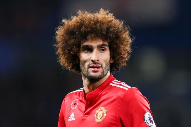 Officiel: Marouane Fellaini repousse tout et reste à Manchester United