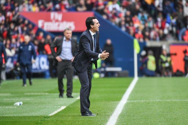 PSG : Emery se couche devant les critiques de Dani Alves