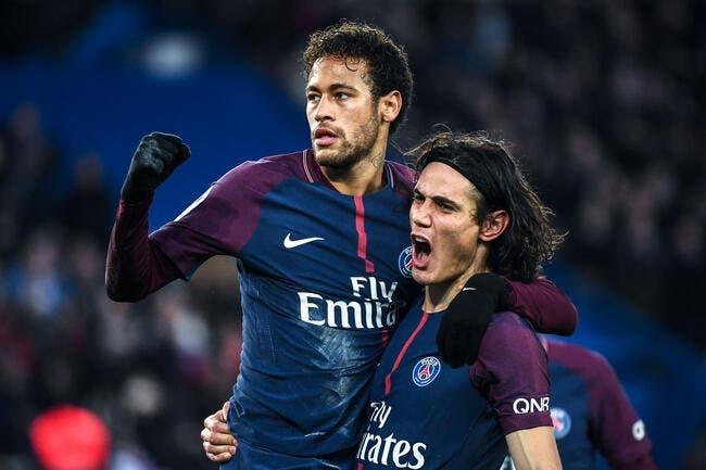PSG : Neymar a pris un coup de règle sur les doigts par Cavani