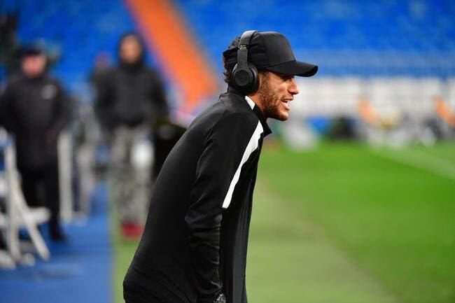 PSG: La splendide feinte de Neymar à l'aéroport