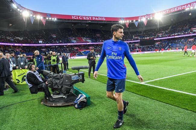 L'émouvante haie d'honneur du PSG à Thiago Motta