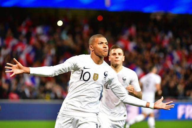 PSG : Mbappé est unique et indispensable aux Bleus selon Pierre Ménès !