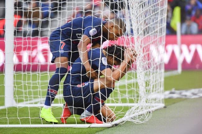 PSG : Des calins pour Cavani ? Tuchel poussé à faire une Neymar avec El Matador !