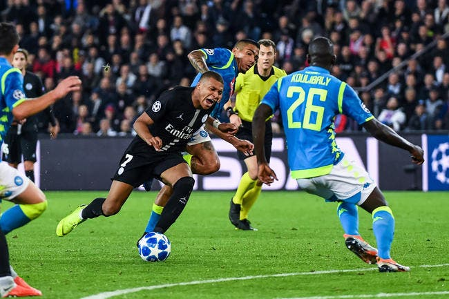 PSG: Pierre Ménès demande un choix fort pour régler le cas Mbappé