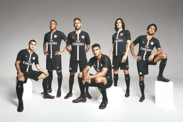 PSG: Paris dévoile son maillot Jordan, ça claque!