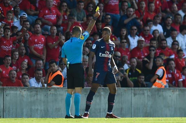 PSG : Kylian Mbappé arbitré par Tony Chapron, ça donne ça...