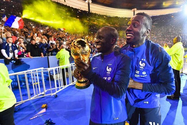 N'Golo Kanté loupe l'Eurostar, passe la soirée avec des fans