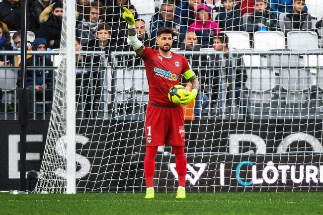 Mercato : Lâcher Bordeaux pour Rennes, Benoit Costil y pense