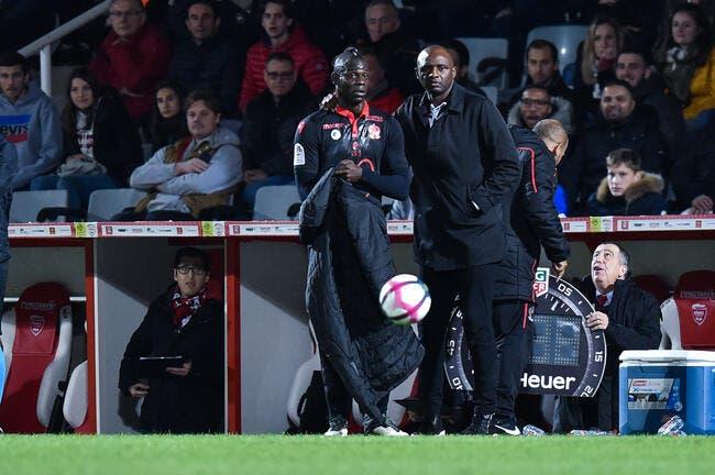 OGCN : Balotelli est bien gentil, mais Vieira le descend en flèche