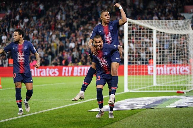 PSG : Mbappé reste à Paris, il l'officialise live au Real Madrid !