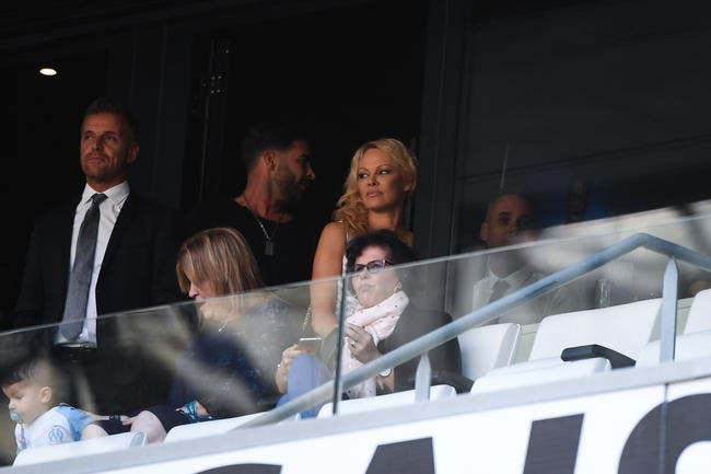 OM : Marseille remet la radine Pamela Anderson à sa place